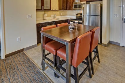 Guestroom | Residence Inn by Marriott Kansas City Downtown/ Convention