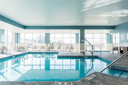 Pool | Holiday Inn Express & Suites Madison