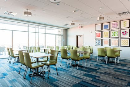 Meeting Facility | Holiday Inn Express & Suites Madison
