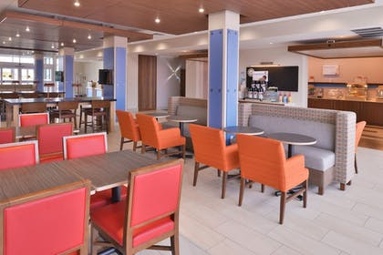 Featured Image | Holiday Inn Express & Suites Madison