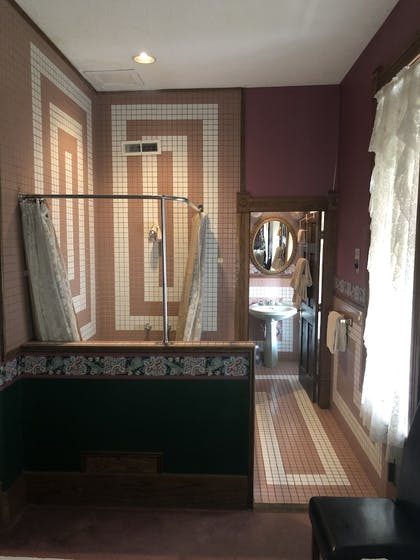 | Royal Suite (202) | Grand Central Hotel & Spa