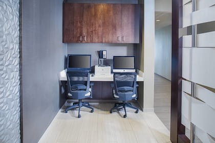 Business Center   Springhill Suites by Marriott Carle Place Garden City