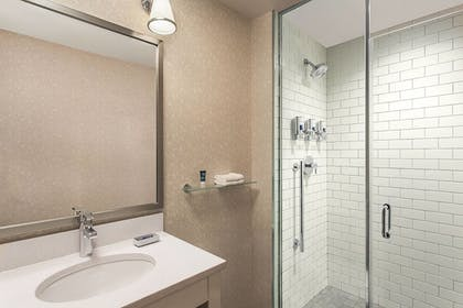 Guestroom | Four Points By Sheraton New York Downtown