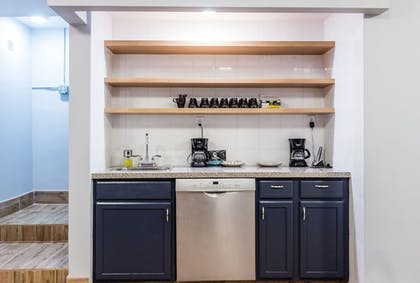 In-Room Kitchenette | The Park Ave North