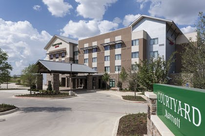 Hotel Front | Courtyard by Marriott Fort Worth at Alliance Town Center