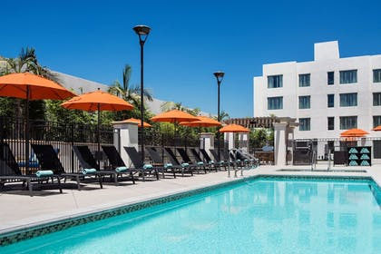 Outdoor Pool | Residence Inn Los Angeles Pasadena/Old Town