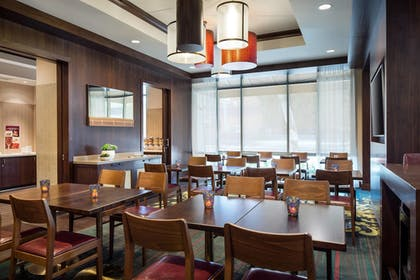 Restaurant | Residence Inn Los Angeles Pasadena/Old Town