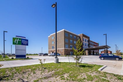 Exterior | Holiday Inn Express & Suites Blackwell