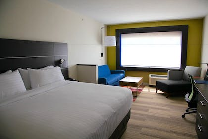 Guestroom | Holiday Inn Express & Suites Oswego