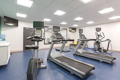 Fitness Facility | Holiday Inn Express and Suites Lincoln I - 80