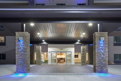 Featured Image | Holiday Inn Express and Suites Lincoln I - 80