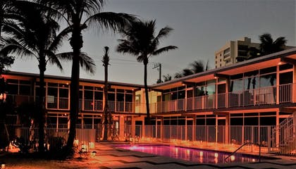 Hotel Front - Evening/Night | Plunge Beach Hotel