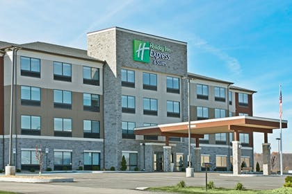 Exterior | Holiday Inn Express & Suites Uniontown