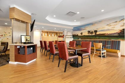 Restaurant | TownePlace Suites by Marriott Pittsburgh Harmarville
