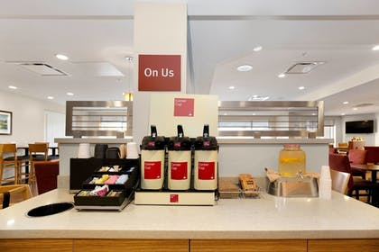 Cafe | TownePlace Suites by Marriott Pittsburgh Harmarville