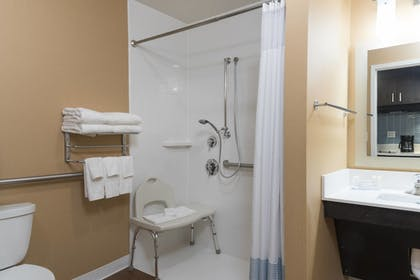 Guestroom | TownePlace Suites by Marriott Mansfield