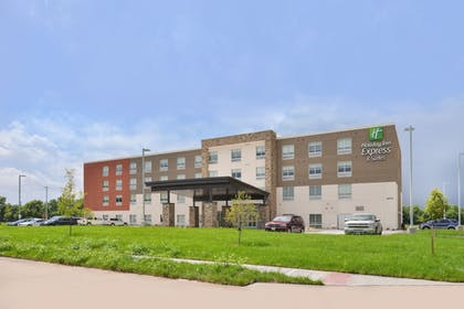 Featured Image | Holiday Inn Express & Suites Omaha Airport