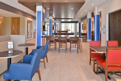 Breakfast Area | Holiday Inn Express & Suites Omaha Airport