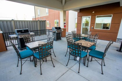 BBQ/Picnic Area | Candlewood Suites Fairbanks