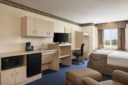 Jetted Tub   Travelodge by Wyndham Fort Scott