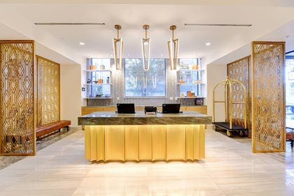 Lobby | WATERMARK Baton Rouge, Autograph Collection