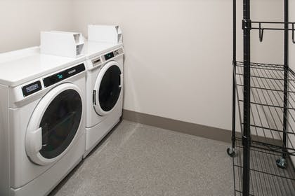 Laundry Room | Holiday Inn Express & Suites Kingdom City