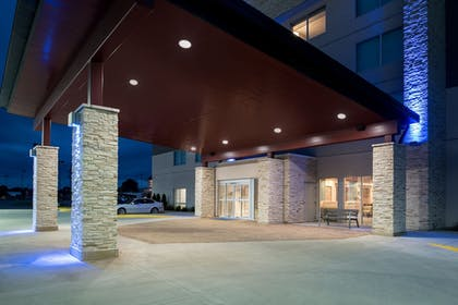 Exterior | Holiday Inn Express & Suites Kingdom City