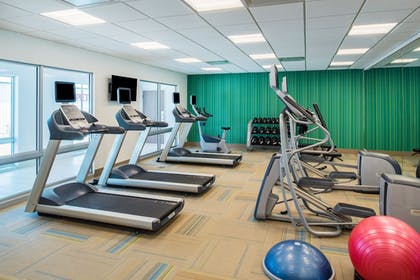 Fitness Facility | Holiday Inn Express & Suites Kingdom City