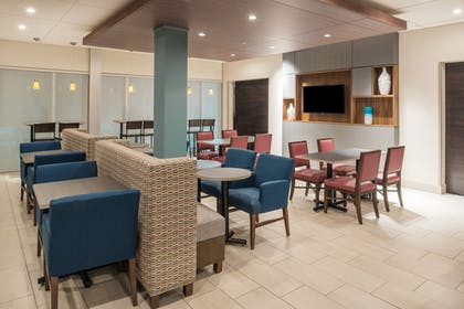 Restaurant | Holiday Inn Express & Suites Kingdom City