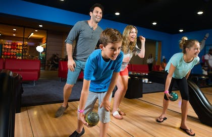 Sports Facility | Great Wolf Lodge Anaheim, CA