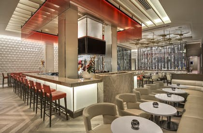 Hotel Bar | Club Level Suites at Inn On Fifth