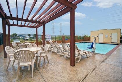 Featured Image | Galveston Inn & Suites Hotel