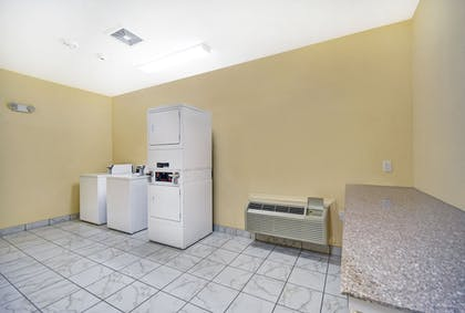 Laundry Room | Galveston Inn & Suites Hotel