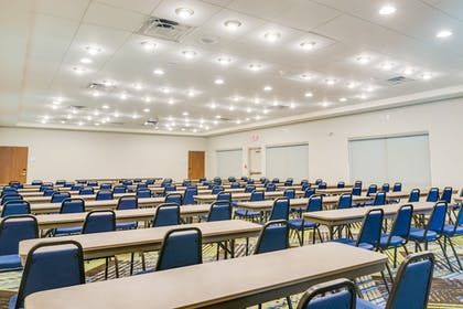 Meeting Facility | Holiday Inn Express & Suites Russellville
