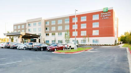 Featured Image | Holiday Inn Express & Suites Russellville