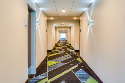 Hotel Interior | Holiday Inn Express & Suites Russellville