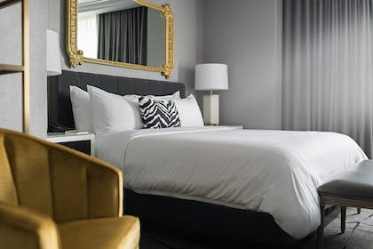 Guestroom | Hotel LeVeque, Autograph Collection