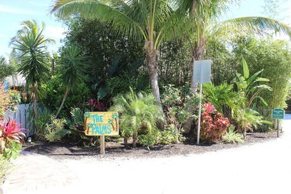 Hotel Entrance | Siesta Key Palms Resort