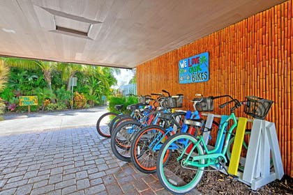 Bicycling | Siesta Key Palms Resort