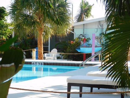 Outdoor Pool | Siesta Key Palms Resort