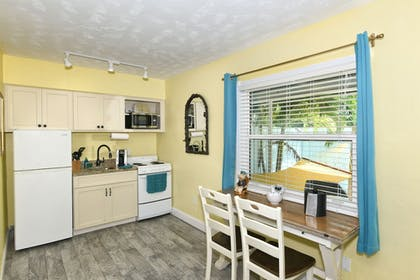 Private Kitchen | Siesta Key Palms Resort