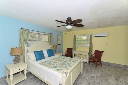 Guestroom | Siesta Key Palms Resort