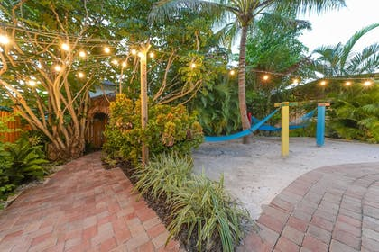 Garden | Siesta Key Palms Resort