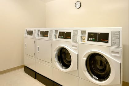 Laundry Room   Fairfield Inn & Suites Lancaster East at The Outlets