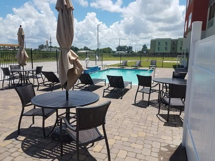 Pool | Holiday Inn Express Donaldsonville