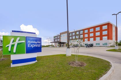 Featured Image   Holiday Inn Express Donaldsonville