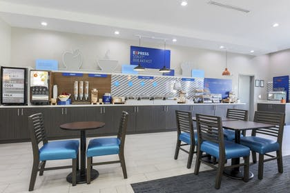 Breakfast buffet | Holiday Inn Express & Suites Houston - Hobby Airport Area
