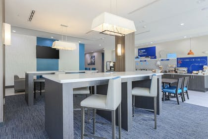 Breakfast Area | Holiday Inn Express & Suites Houston - Hobby Airport Area