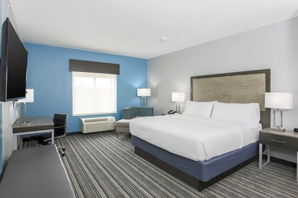 Guestroom | Holiday Inn Express & Suites Houston - Hobby Airport Area