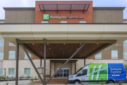 Exterior | Holiday Inn Express & Suites Houston - Hobby Airport Area